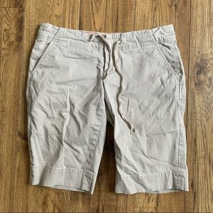 "Guess 12"" cream Bermuda shorts"